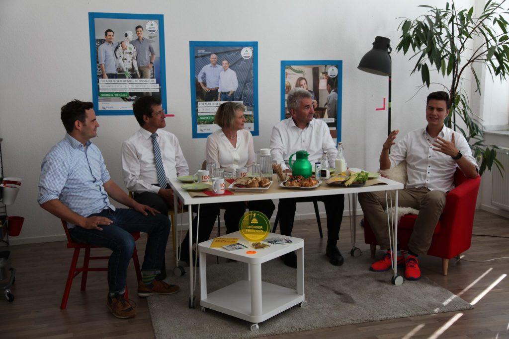 Gründerpreis NRW bei IOX Labs mit Wirtschaftsminister Pinkwart, Professorin Volkmann und Chef der NRW Bank Forst